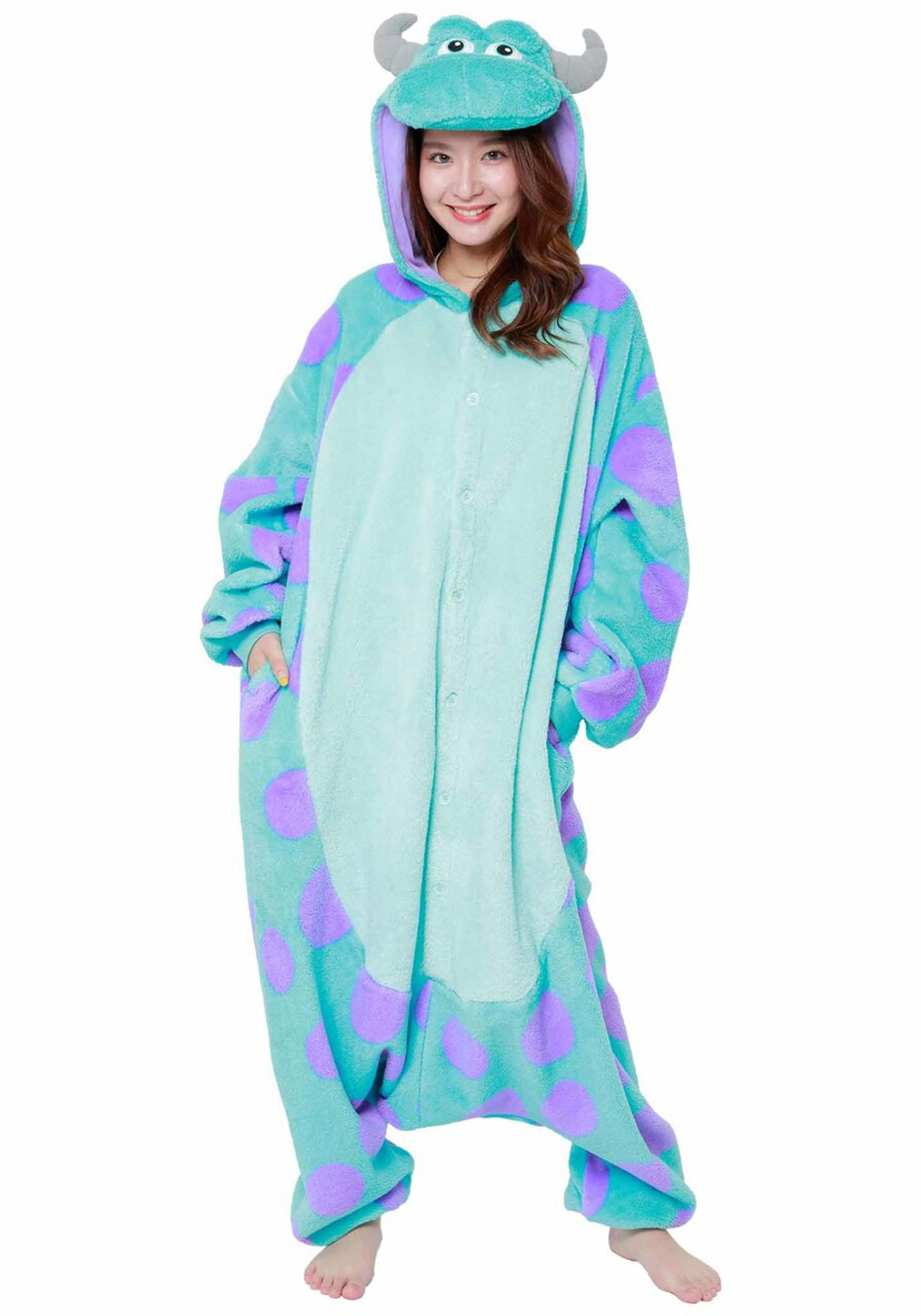 Trouble is this Chesire Cat pajama costume's middle name. Actually, we're not sure if this licensed Alice in Wonderland pajama set has a middle name, but trouble probably would be its middle name.